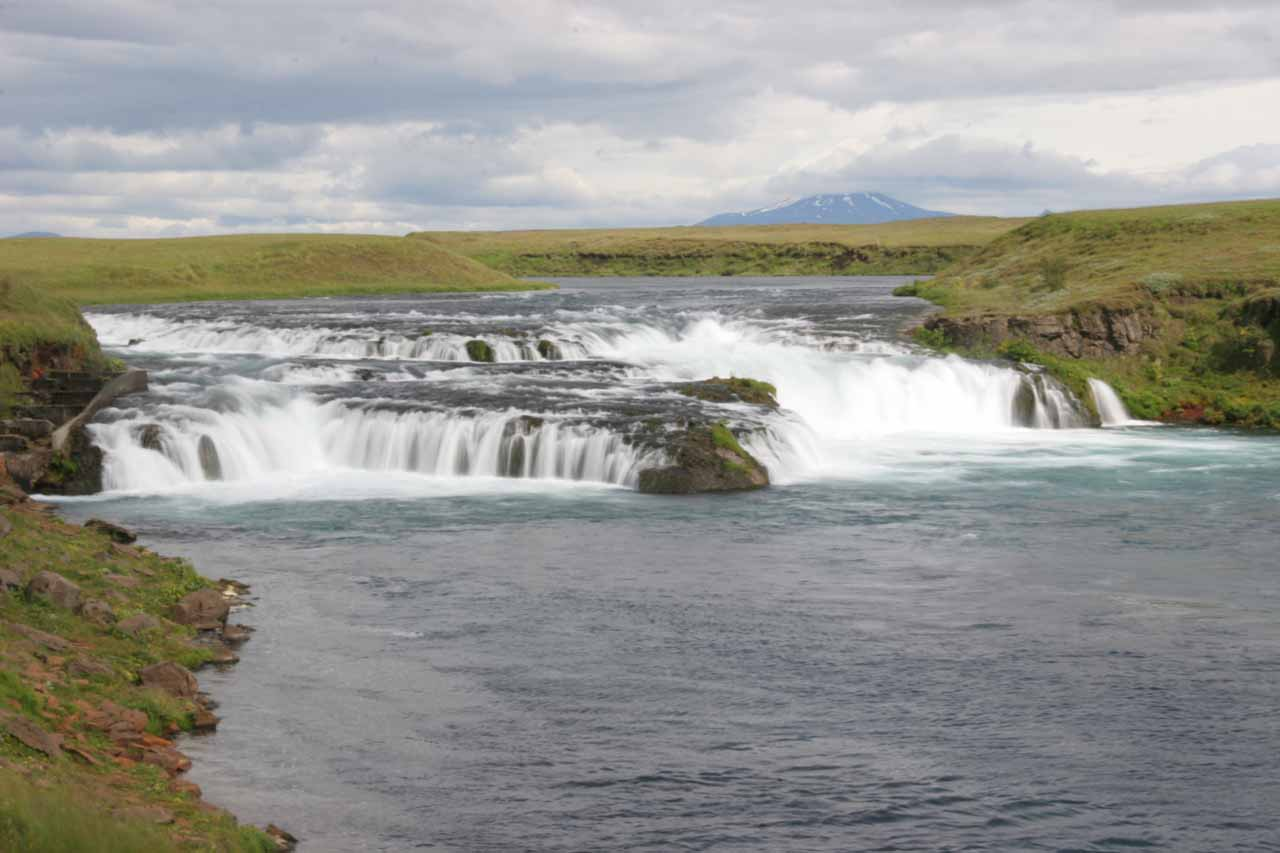 Ægissufoss with Hekla in back