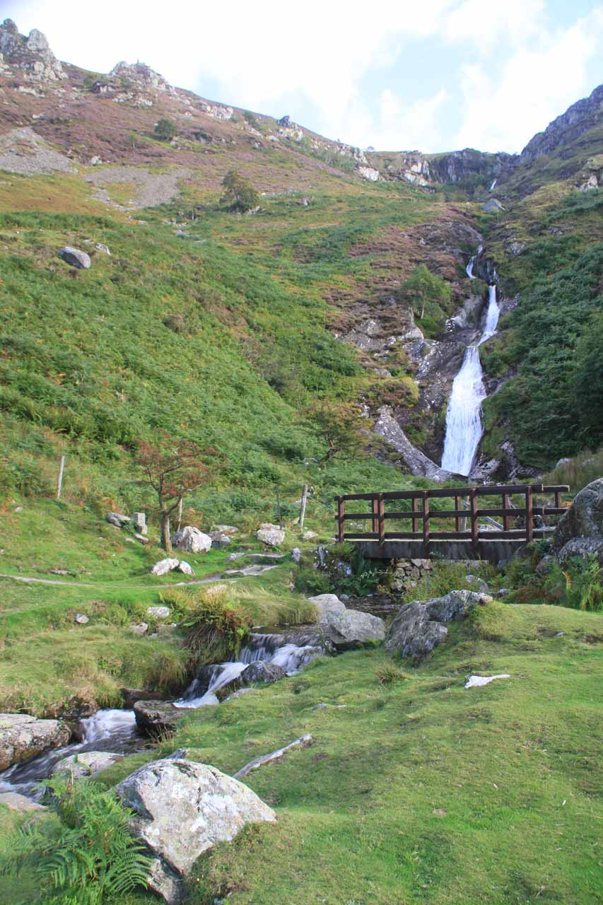 Looking back at the footbridge before Rhaeadr Fach