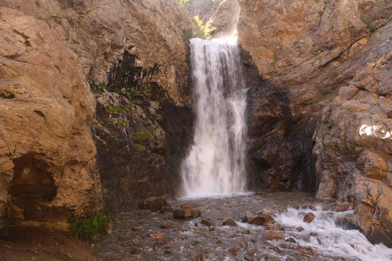 Another look at Adams Falls backed by attractive reddish brownish rocks