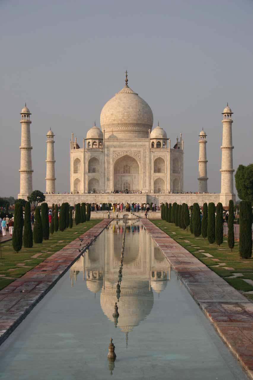 Contextual look at the Taj Mahal