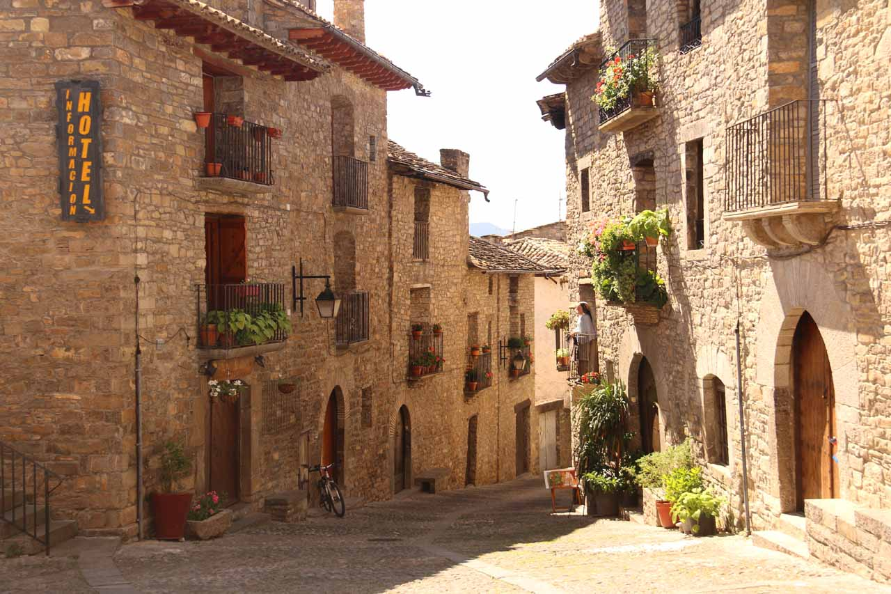 About an hour's drive south and east of Torla was the quiet town of Aínsa, which was said to be one of finest of the charming Aragonese Villages
