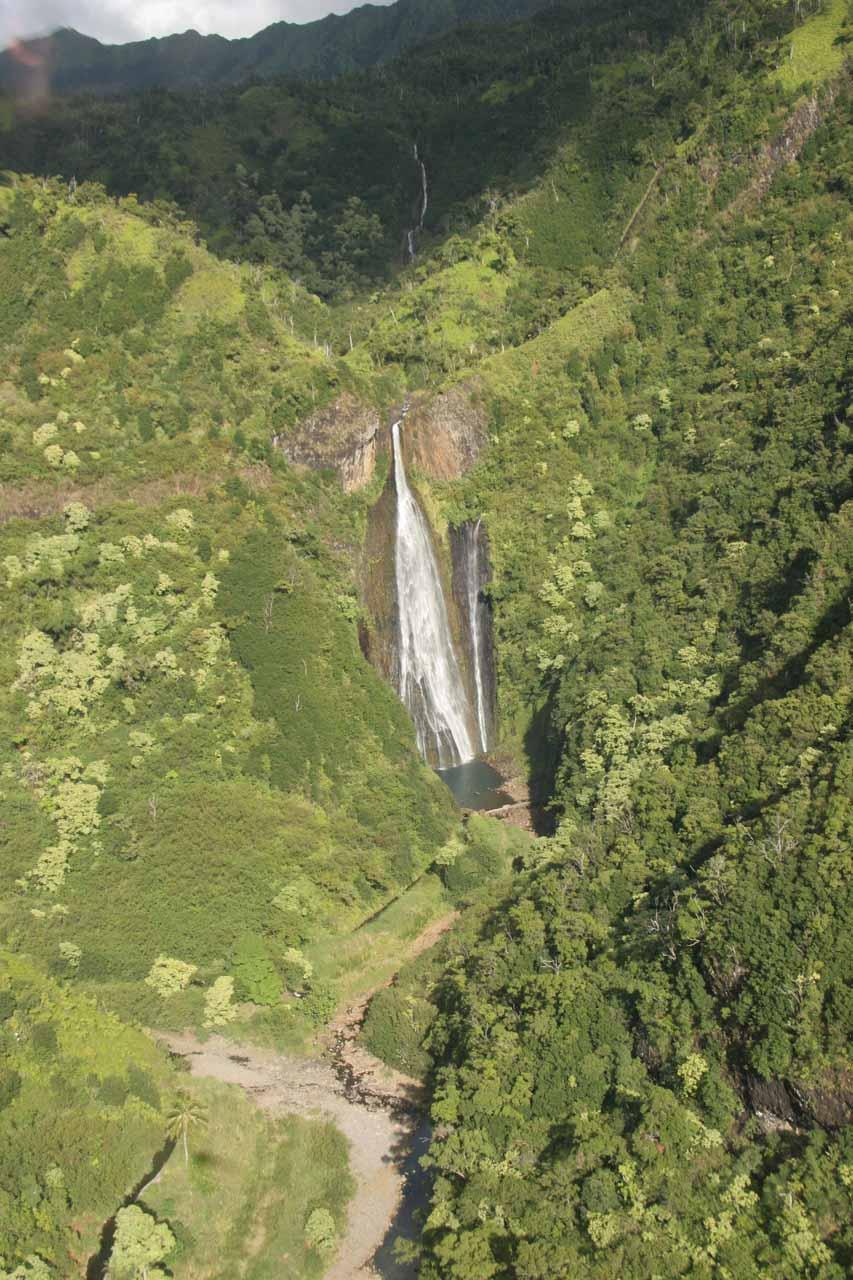 Approaching Manawaiopuna Falls
