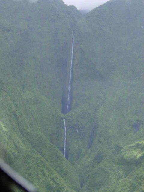 Air_Maui_040_09042003 - Honokohau Falls