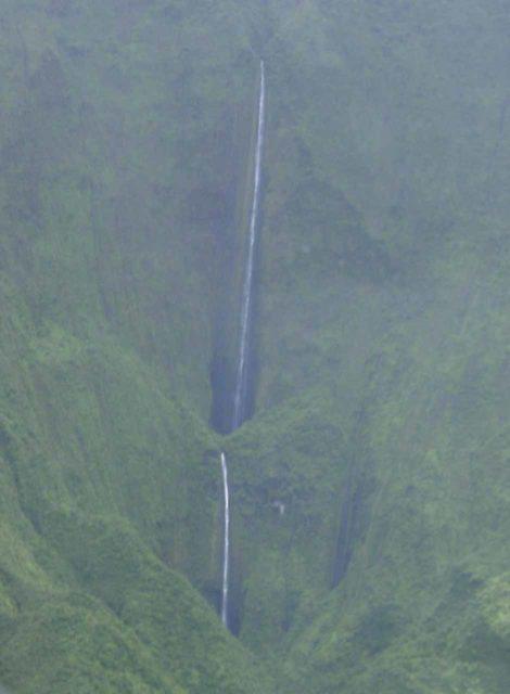 Air_Maui_040_cropped_09042003