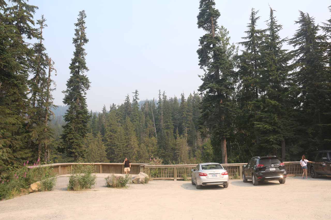 Context of the Alexander Falls lookout and the parking lot