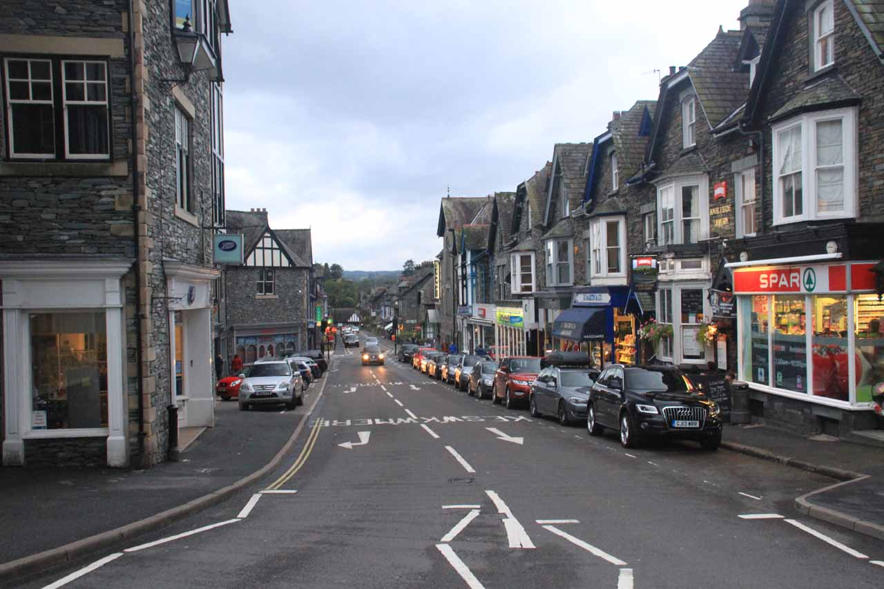 Having lingering around a bit for dinner in Ambleside, we finally headed back towards the car park when it was starting to get dark