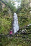 Amedaki_050_10232016 - Context of Mom checking out the Amedaki Falls