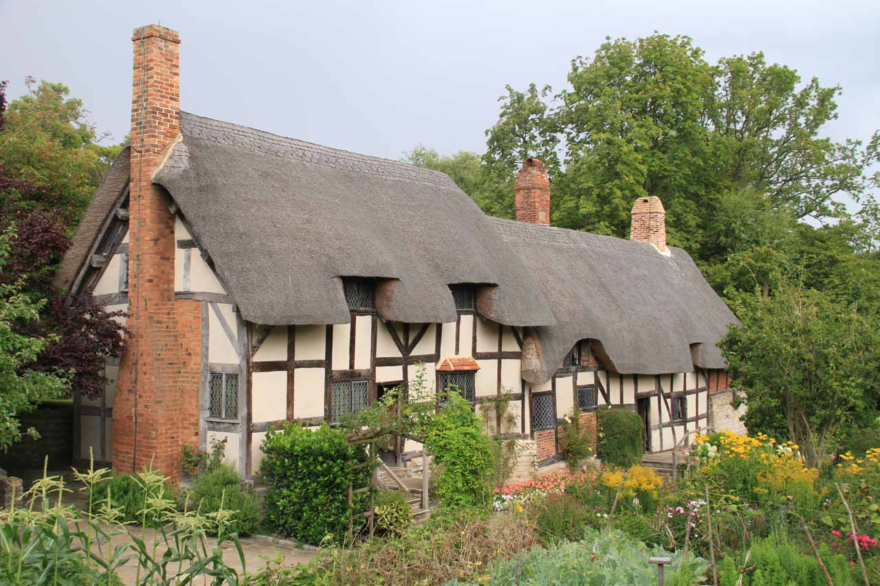 Angled view of the Anne Hathaway Cottage when it was quiet again