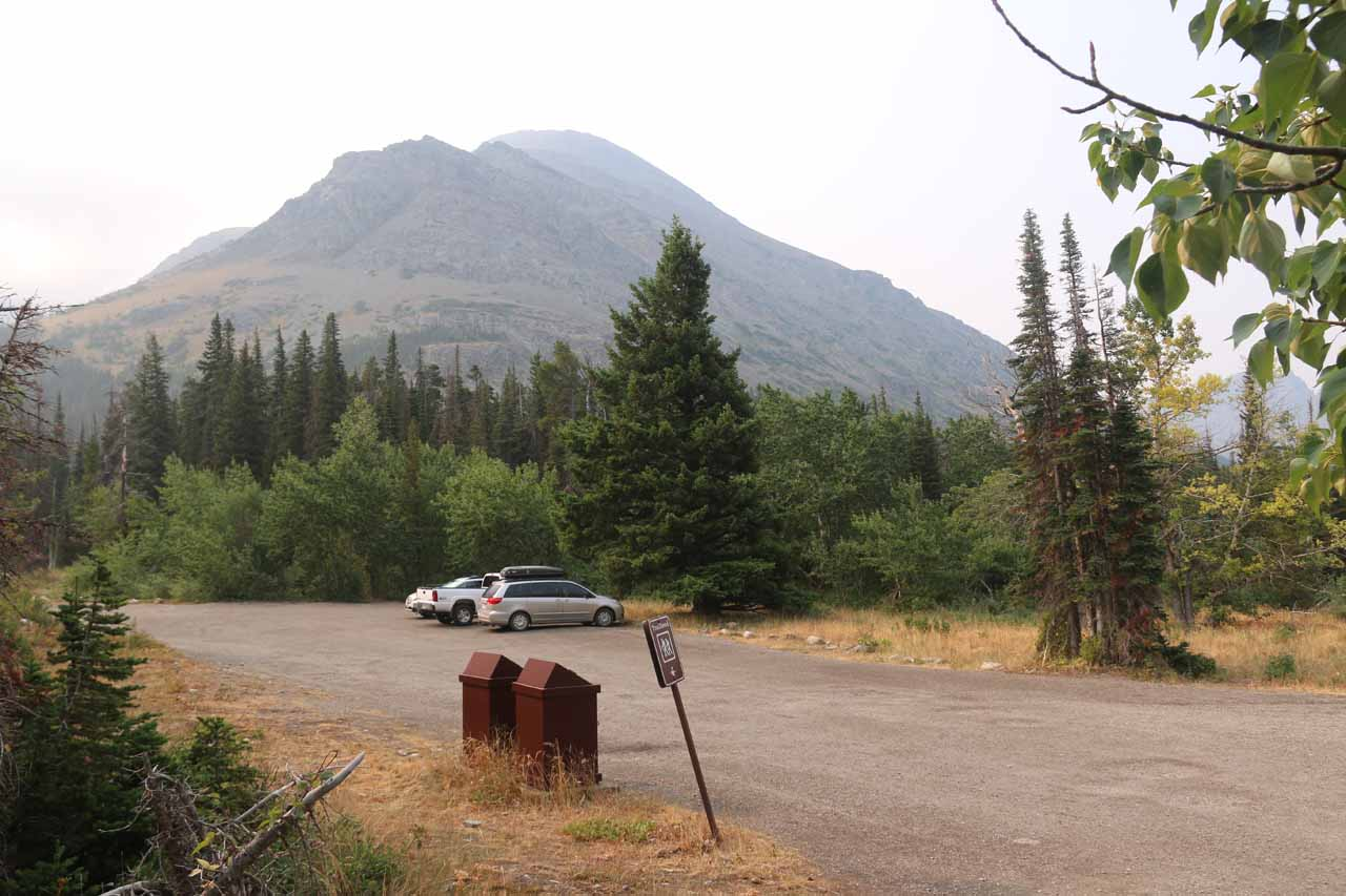Back at the Scenic Point trailhead. Now there were a few more cars than earlier on