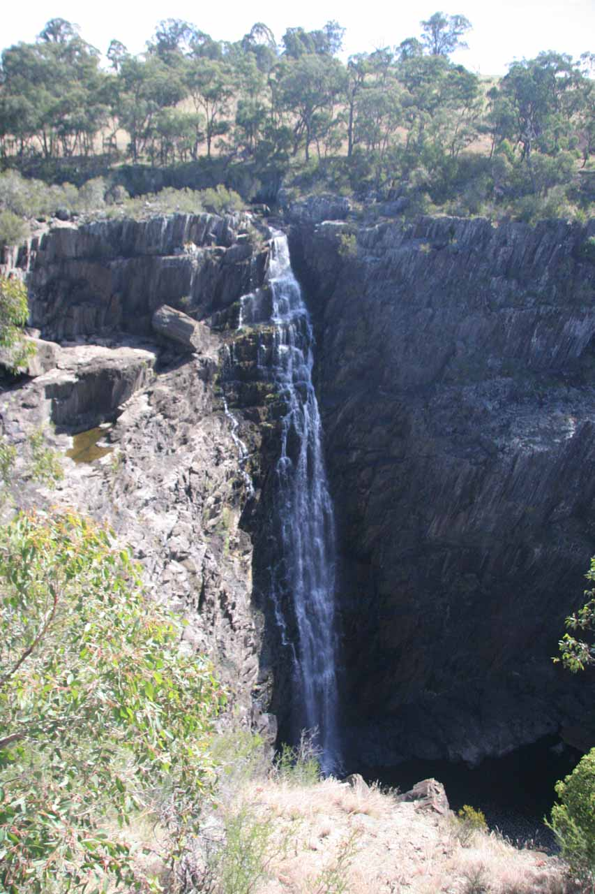 Direct look at Apsley Falls from the McMillans Lookout