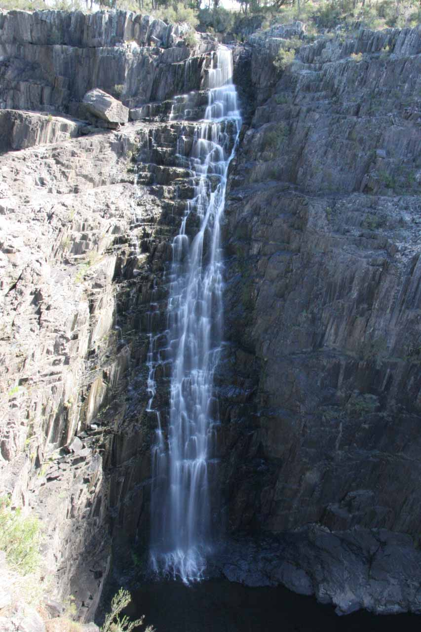 Direct look at Apsley Falls from the Lions Lookout