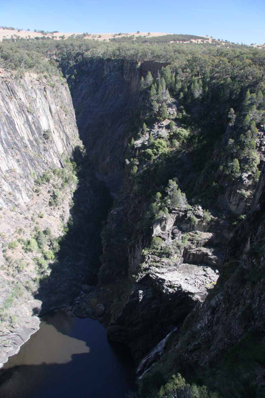 First look at the Lower Apsley Falls as well as the gorge beyond
