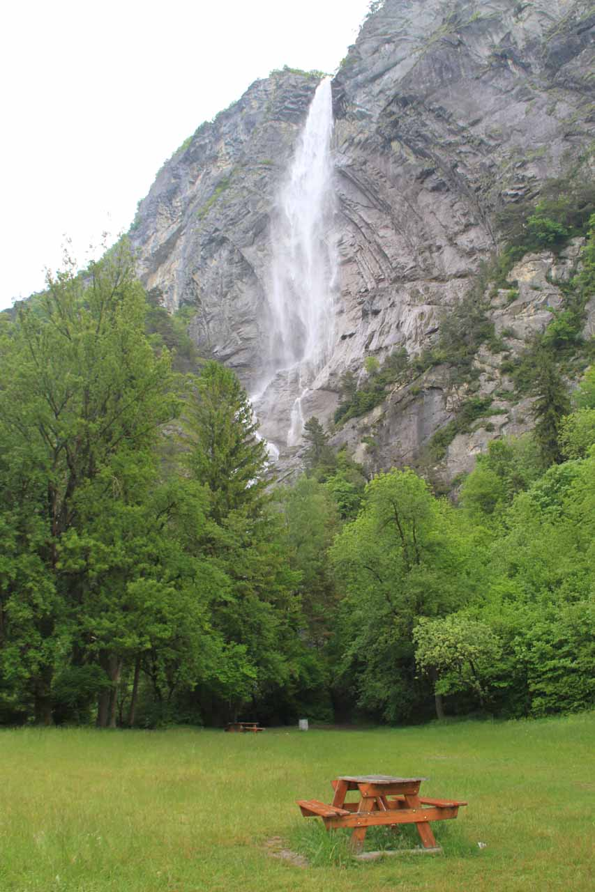 Cascade d'Arpenaz from the picnic area