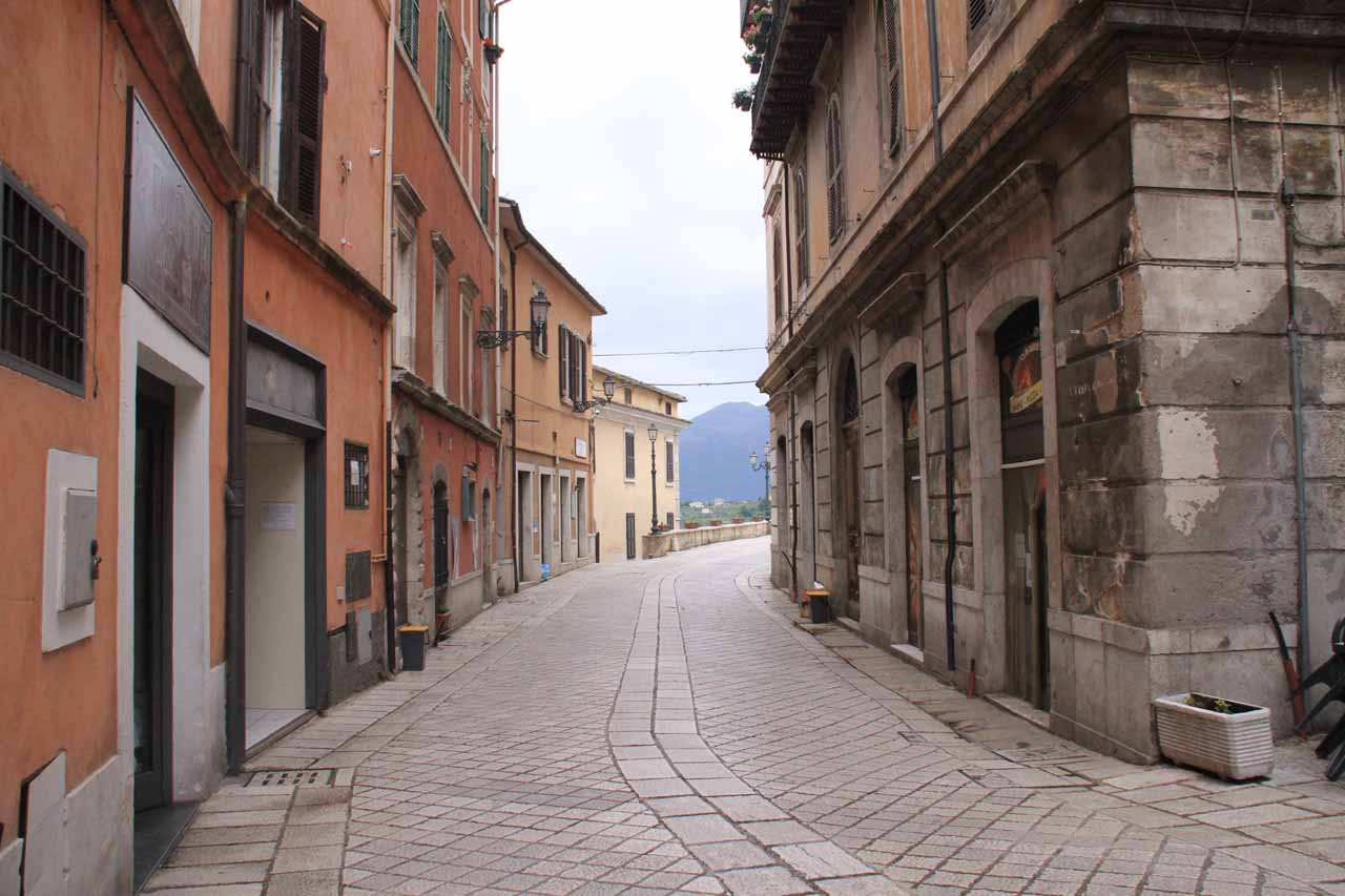 This was one of the narrow streets shared between vehicles and pedestrians in Arpino
