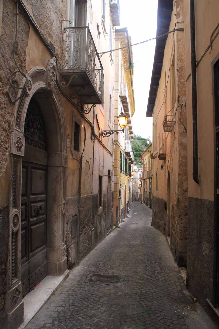 Walking within a narrow alleyway on the way back to the accommodation in Arpino