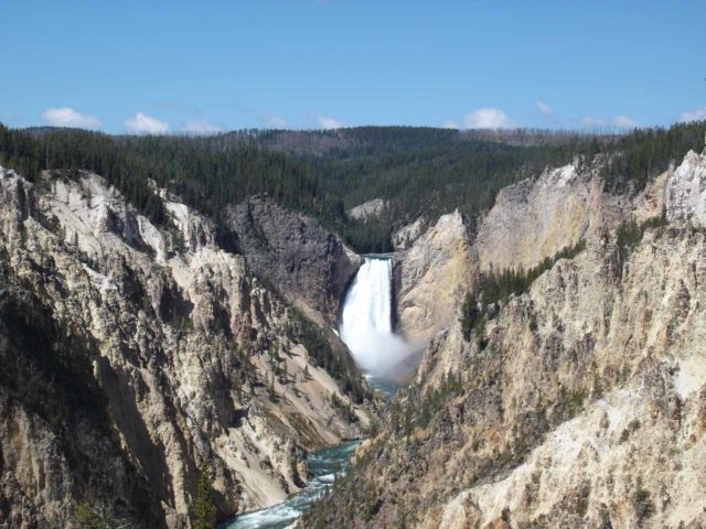 Artist_Point_005_jx_06212004 - The Lower Falls of the Yellowstone River as seen from Artist Point