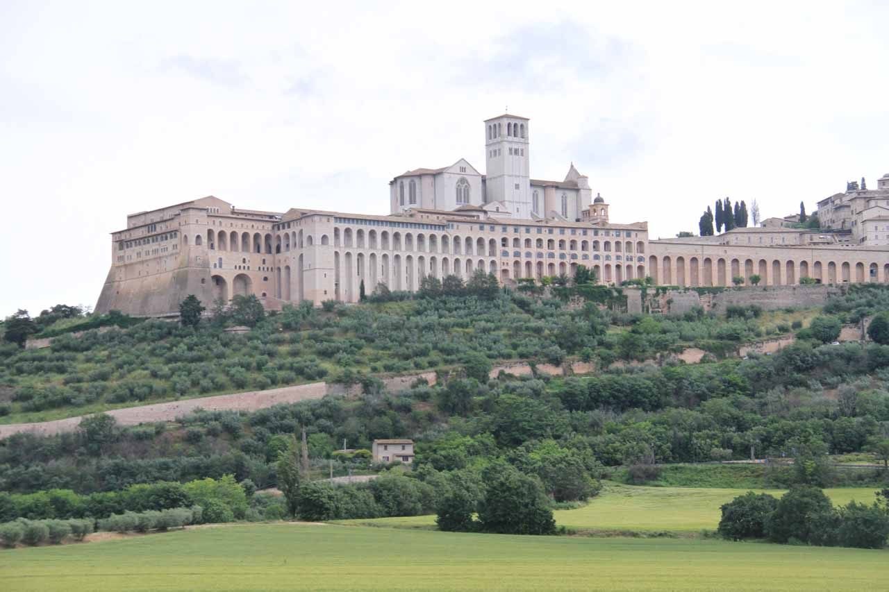 Finally a contextual view of Assisi from the rolling plains surrounding the basilica and ancient city