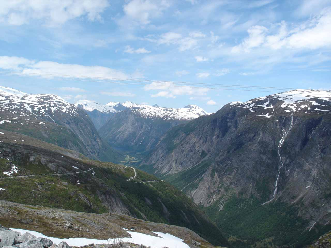 In addition to Mardalsfossen, another compelling reason why we enjoyed our visit to Eikesdalen was the surprising waterfalls found in Eikesdalen, including those seen along Aursjøvegen