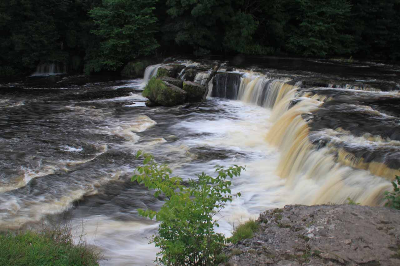 At the brink of the Upper Aysgarth Falls