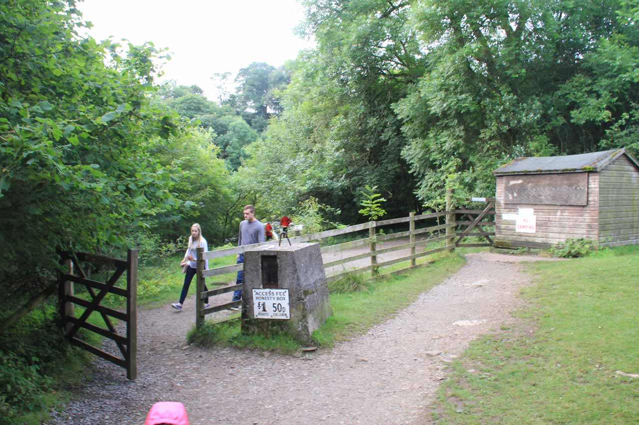 The fence and honesty box on the way to the Upper Aysgarth Falls