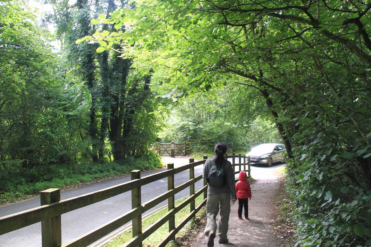 Tahia and Julie about to cross the road on the way to middle and lower Aysgarth Falls