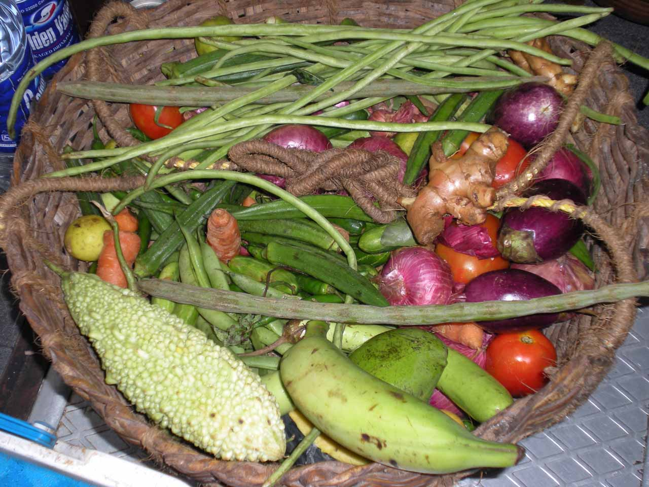 Fruit basket in the houseboat