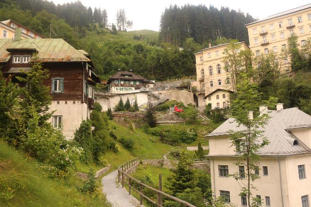 Bad_Gastein_116_07022018 - Descending towards the Gasteiner Ache and the Lower Bad Gasteiner Waterfall surrounded by Belle Epoque buildings as well as the hydro facility (kraftwerk)