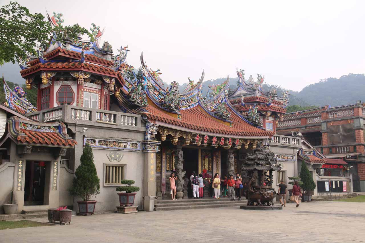 Right before we made the drive up to the Shanlinhsi Nature Park, we had made a visit to the ornate Ban Tian Yan Zhuyin Temple in Chiayi County