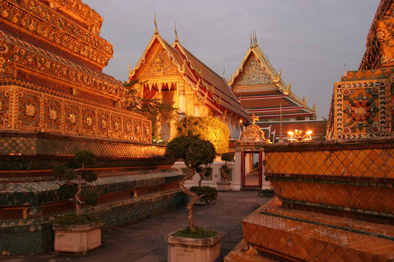 More of Wat Pho at night