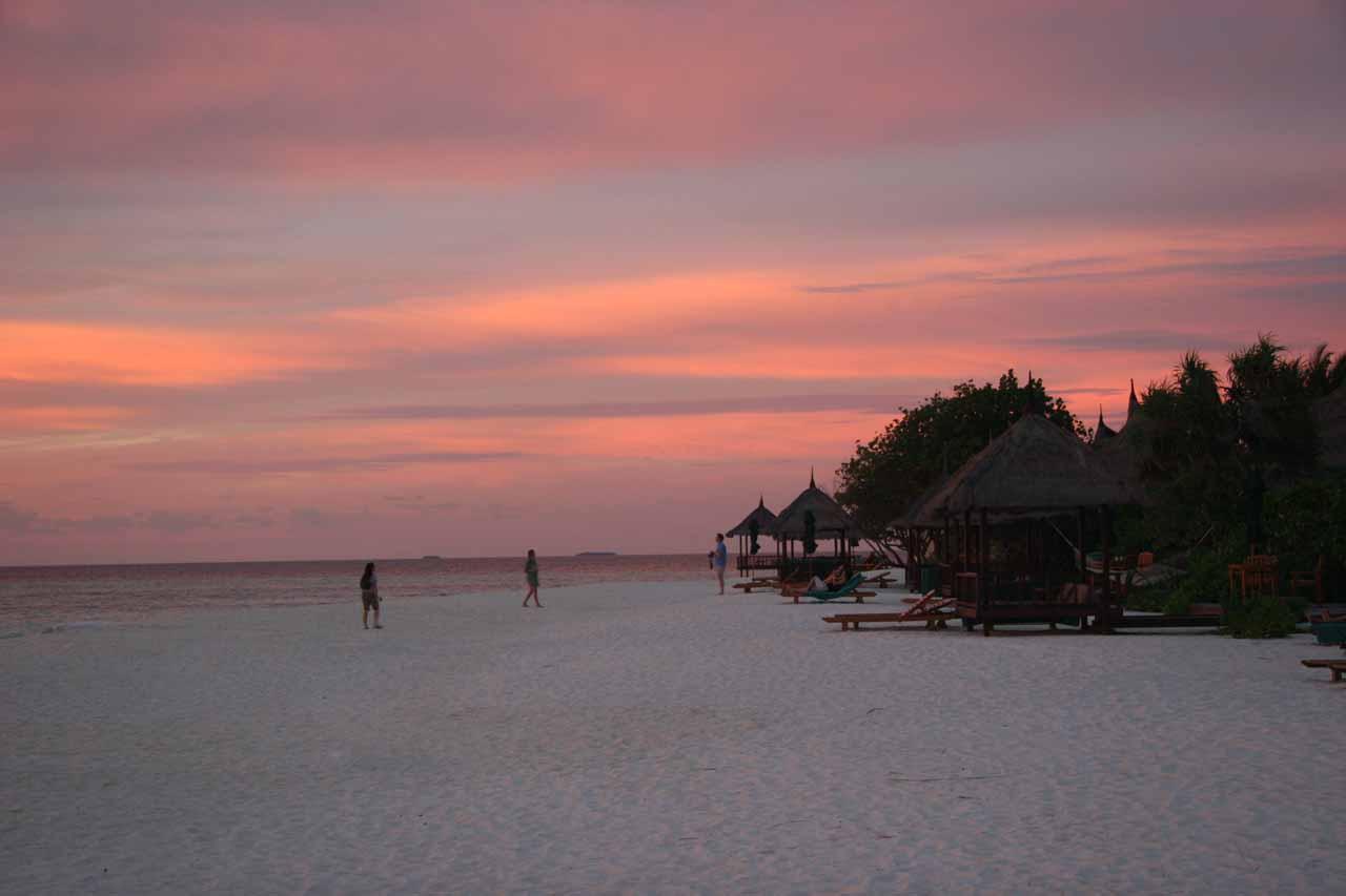 Skies turning pink while we were enjoying the sunset at the Banyan