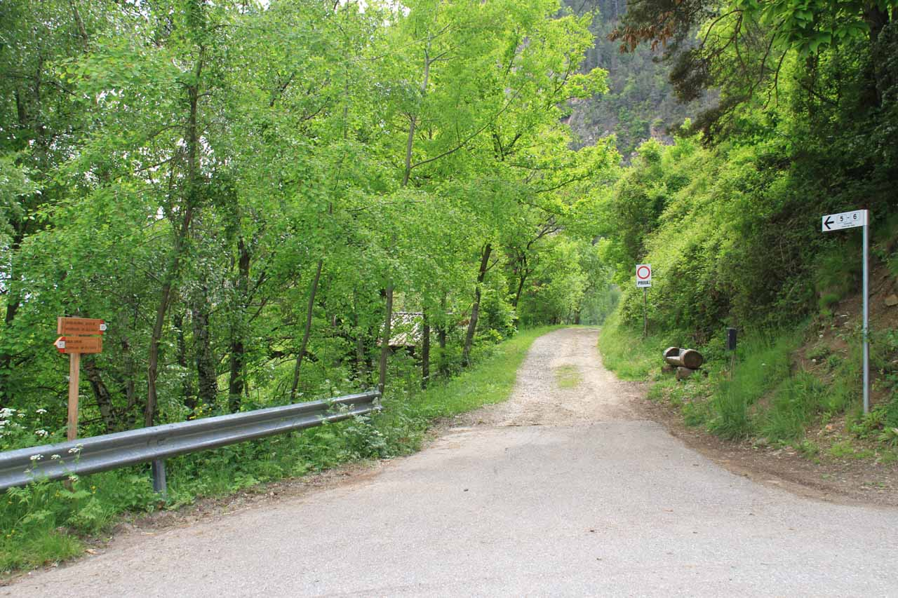 The trail rejoined the single-lane road until it the next switchback where the trail then diverged onto this little driveway
