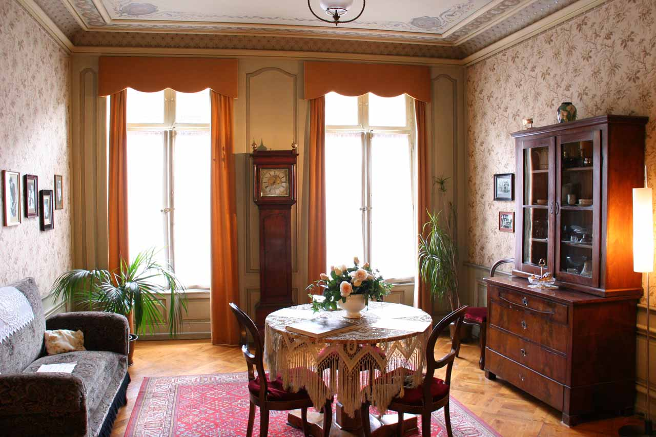 Einstein's Apartment