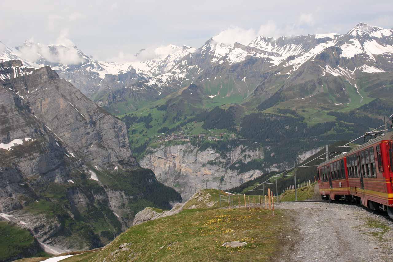 The scenic train ride on the way down to Kleine Scheidegg