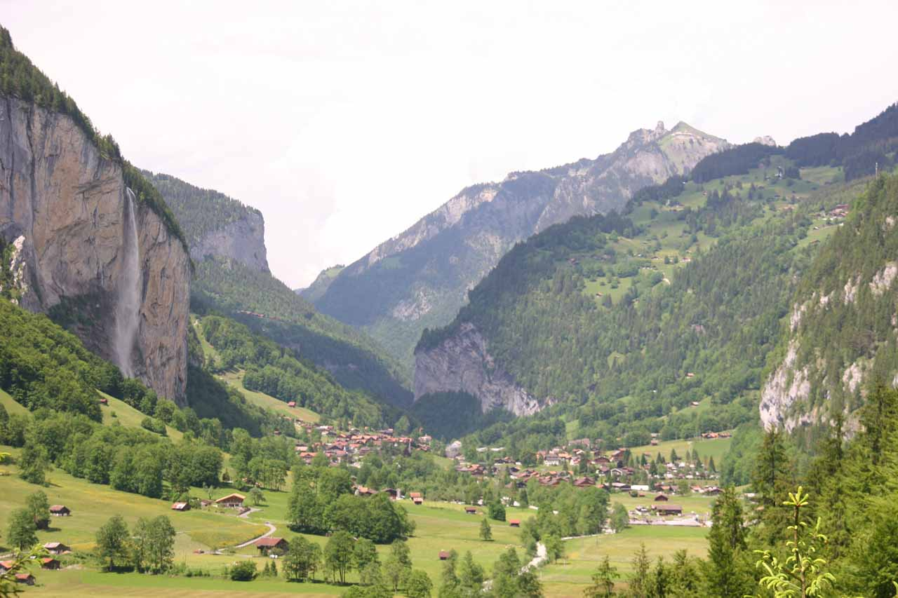 Nice view of Lauterbrunnen Valley from the Trummelbachfalle path