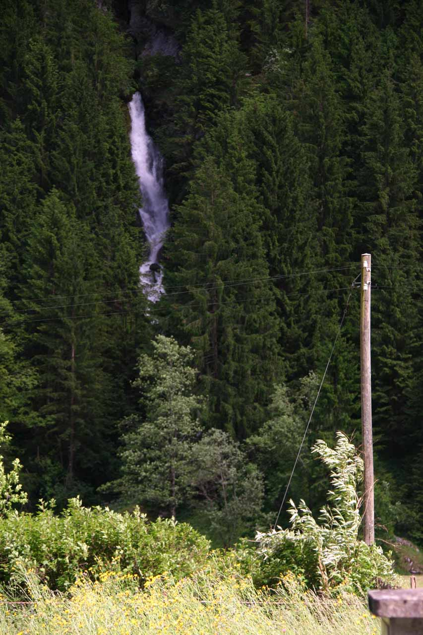 A waterfall on the eastern wall of Lauterbrunnen Valley as seen on the way to Stechelberg