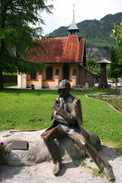 Bernese_Oberland_821_06102010 - Sherlock Holmes statue in Meiringen