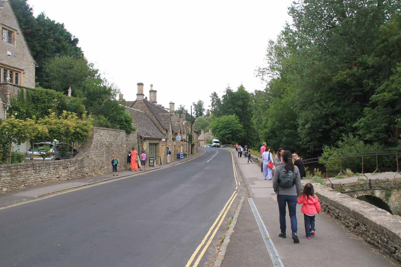 Even just strolling along the main street presented lovely Cotswolds homes that got our attention