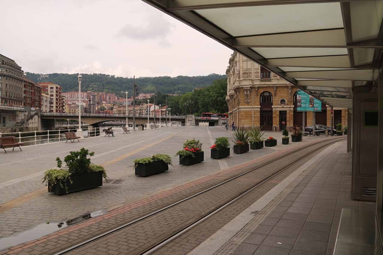 Context of the Euskotran stop we were waiting at