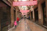 Bilbao_229_06132015 - Julie and Tahia heading back into the Casco Viejo of Bilbao while it was still lightly raining