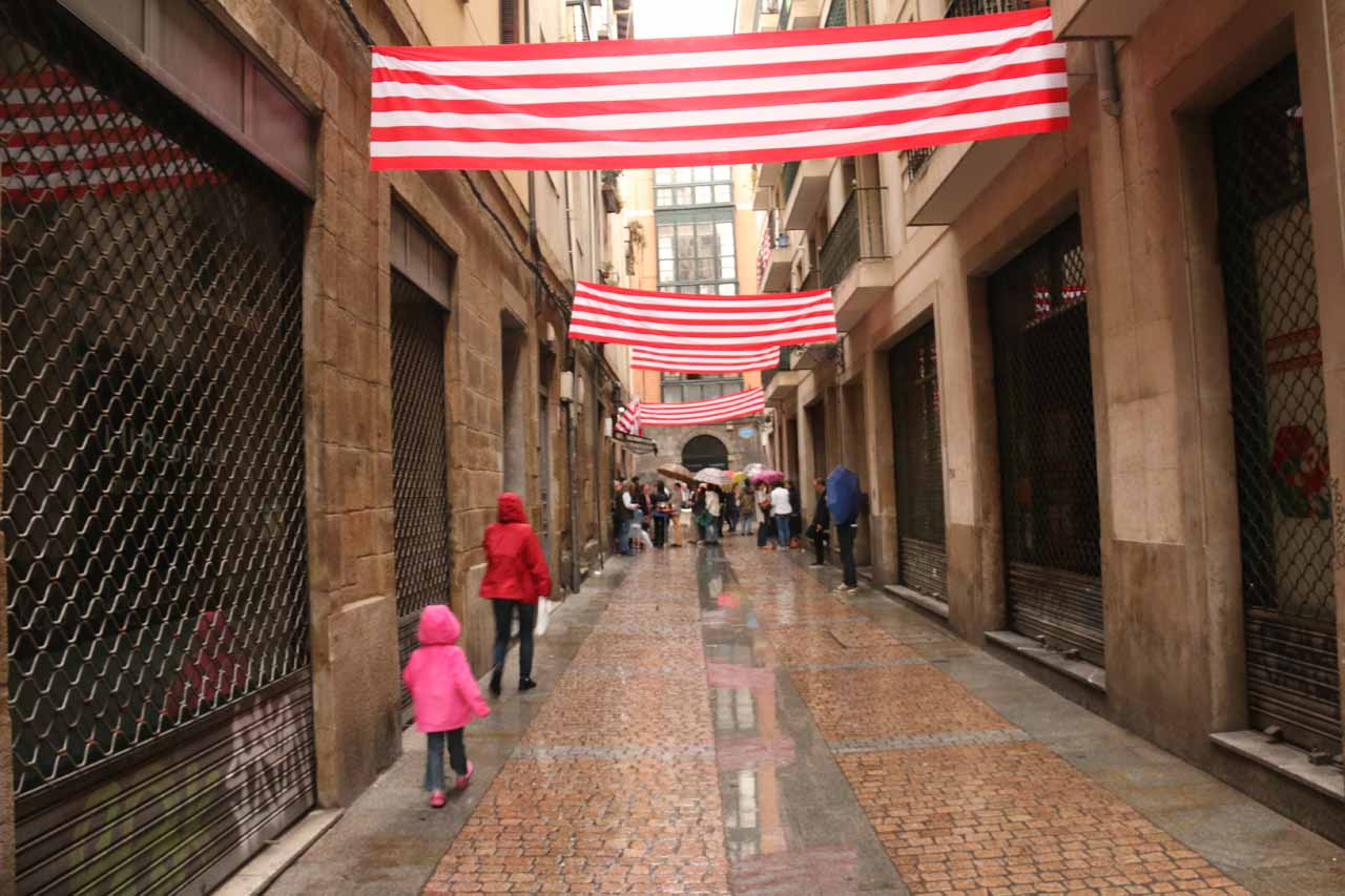 Julie and Tahia heading back into the Casco Viejo of Bilbao while it was still lightly raining