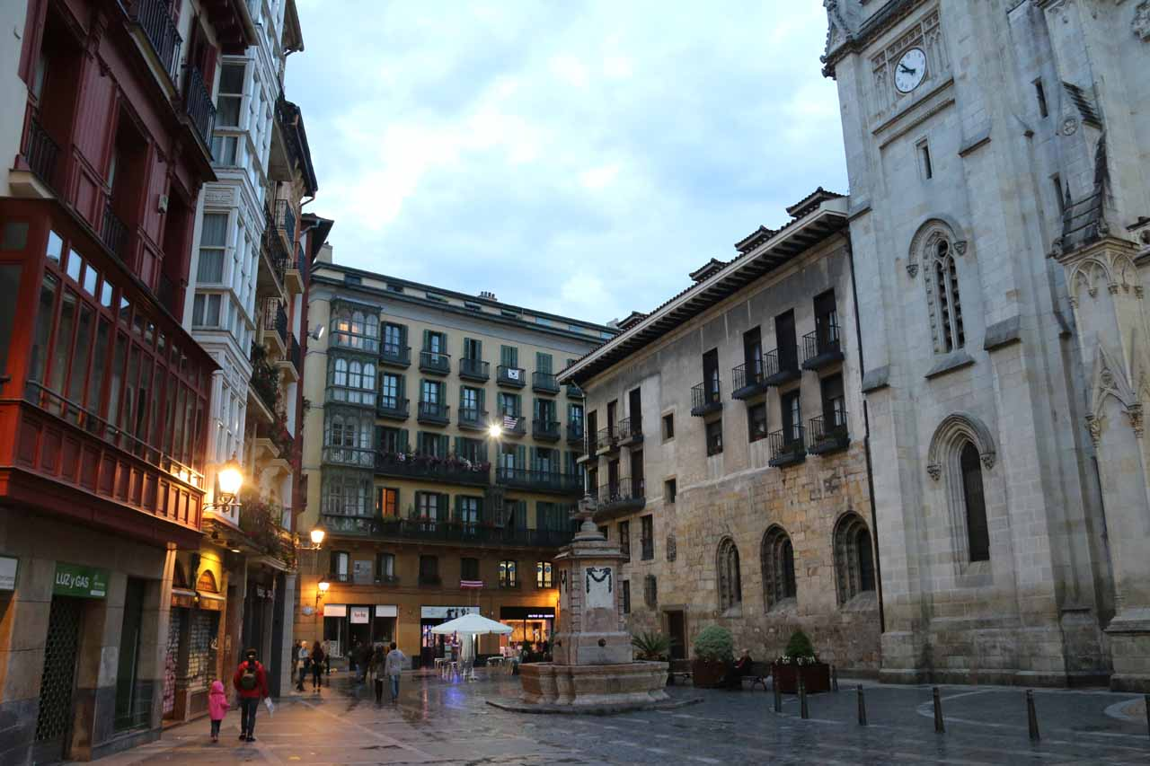 Cascada de Gujuli was roughly 40km south of Bilbao, which was a city famous for the Guggenheim as well as a real charming and happening Casco Historico (historic center)