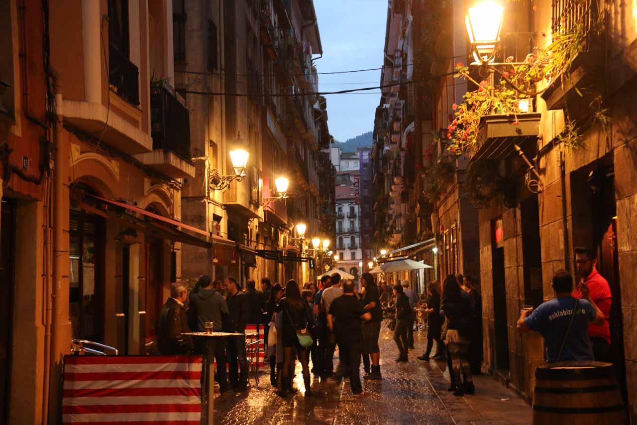 More evening paseo action as we were exploring the Casco Viejo de Bilbao