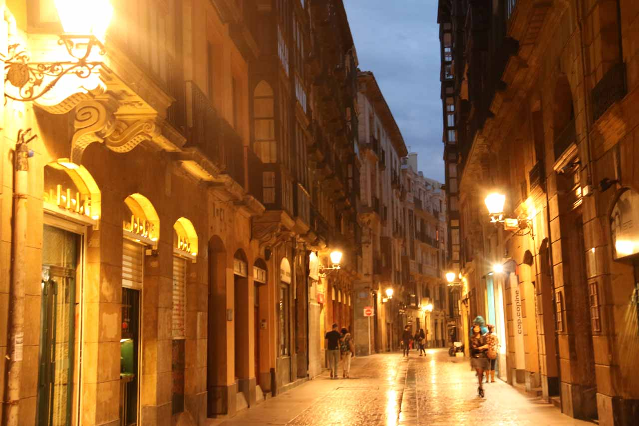 Now that it was past 10pm, the streets started to empty as locals were inside having dinner in Bilbao