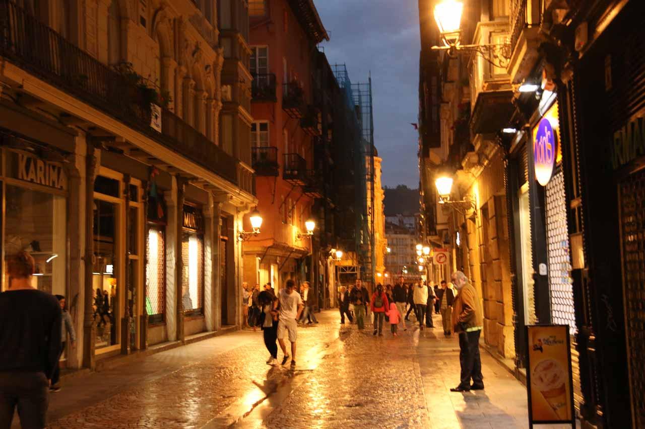 Post dinner exploration of the Casco Viejo de Bilbao
