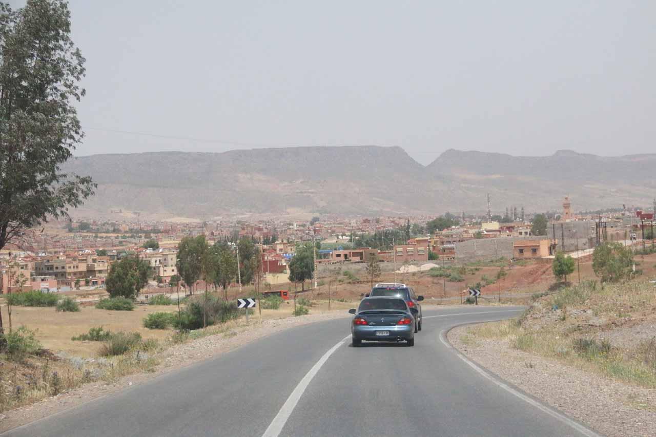 Road due east of Beni Mellal towards Khenifra