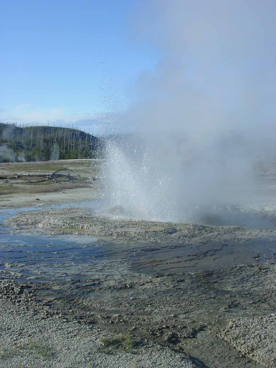 A small geyser going off