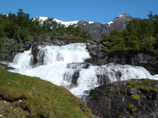 Bodalen_005_jx_06302005 - Looking ahead towards what I think is the front of Huldrefossen, which was just upstream of Høysteinfossen. I acutally couldn't tell one from the other.