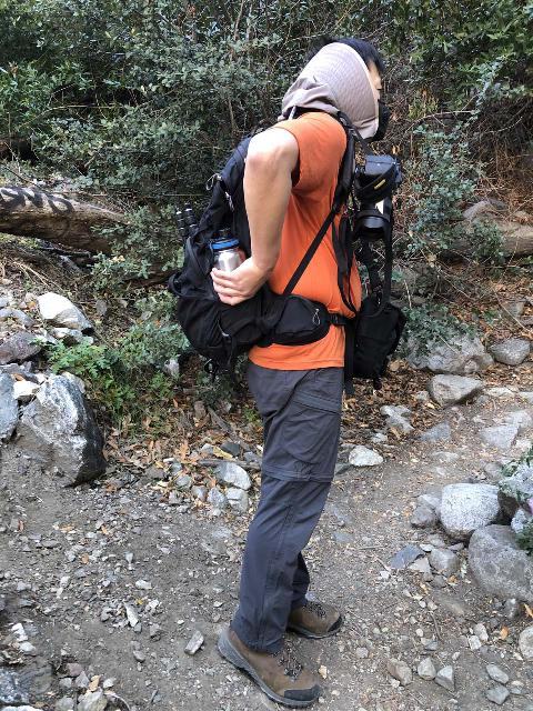 The Osprey Manta 34 has side pockets for easy access to water bottles as well as hands-free hydration with its included hydration pack