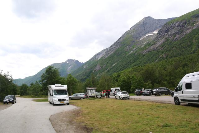 Boyabreen_078_07202019 - Another look at the public car park area for the Bøyabreen Glacier near the turnoff from the Rv5