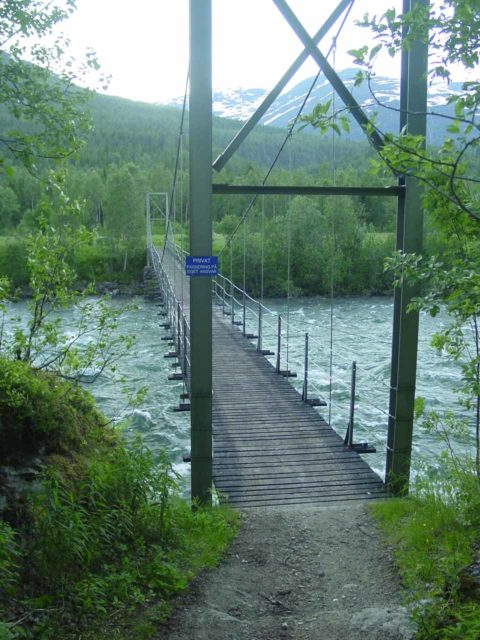 Bredekfossen_002_07052005 - The long swinging bridge over Ranelva and towards private property on the way to Bredekfossen as seen during my first visit back in 2005